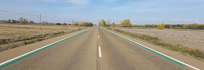 Marcas viales verdes para reducir la velocidad