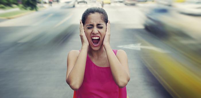 El ruido del tráfico causa suicidios