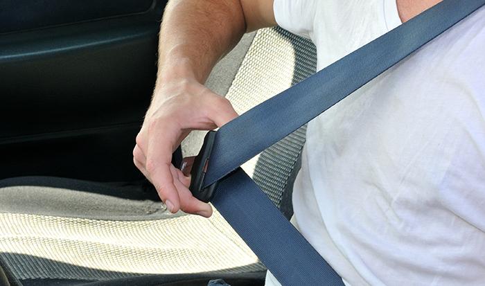 Cinturón de seguridad, autoescuela en valencia, autoescuela barata, practicas coche